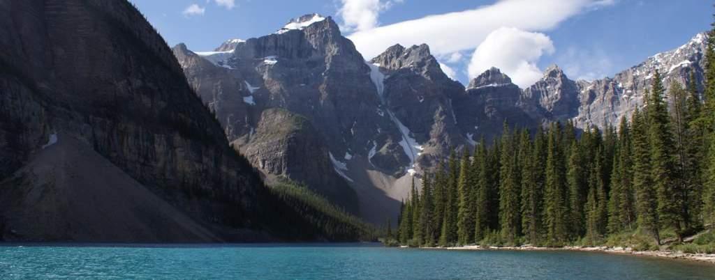 Lago Moraine, parque nacional de Banff, oeste de Canada